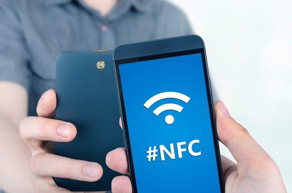 Обмен данными через NFC в смартфонах